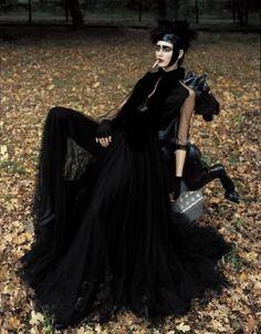 Haute Goth, via Txema Yeste † #hautegoth #goth #aesthetics #gothic #sensibility #high #fashion #editorial #photography #TxemaYeste