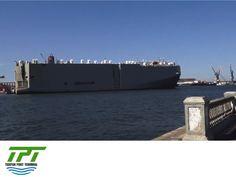 LA MEJOR TERMINAL PORTUARIA EN MÉXICO. Los buques se dividen básicamente en cuatro categorías: carga, pasaje, pesca y guerra. Según el tipo de carga en que se clasifican los buques, los hay: mixtos para pasaje y carga, carga general, carga rodante, graneleros, petroleros y porta contenedores. Tuxpan Port Terminal brindará un servicio especializado a embarcaciones porta contenedores, para autos y carga general. #tpt #tuxpan