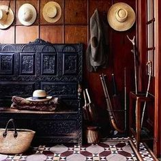 17 Design Inspirations for Mudrooms and Entryways