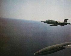 © Πτήση & Διάστημα  Περιοχή Α της Ανδραβίδας δυτικά της Ζακύνθου, ταχύτητα 0.95 Μach, και o δεξιά σε ελαφριά άνοδο