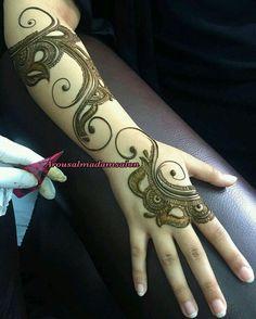 Beautiful henna mehandi desing