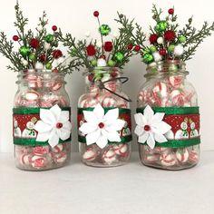 Christmas Mason Jars, Christmas Items, Christmas Projects, Christmas Diy, Christmas Decorations, Christmas Plates, Country Christmas, Merry Christmas, Xmas