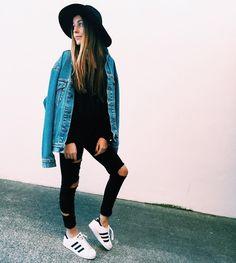 Fashion enthusiast  From Porto, Portugal sofiamcoelho27@gmail.com
