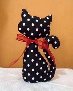 Risultati immagini per peso de porta elo 7 Sewing Toys, Sewing Crafts, Sewing Projects, Craft Projects, Cat Crafts, Diy And Crafts, Cat Pillow, Cat Doll, Cat Pattern