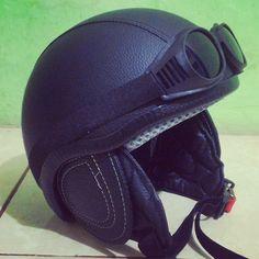 Cek helm retro klasik www.octobersco.com