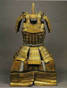 HARAMAKI ARMOR......16TH CENTURY.......MOMOYAMA PERIOD.......SOURCE EXPLOTINGROCKS.TUMBLR........
