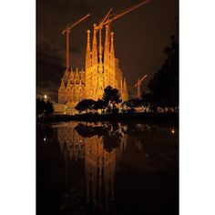 Instagram【riokit.photo】さんの写真をピンしています。 《Sagrada Familia 【Barcelona】 サグラダファミリア【バルセロナ】 . 逆さサグラダファミリア . 夜のサグラダファミリアは、逆さ富士ならぬ逆さサグラダファミリアでした。 想像以上の美しさでした。 写真撮ってる人が日本人しかおらんくて、「日本にサグラダファミリアがあるみたいやな。」と思ったくらいです。 十何都市も回ってきて、バルセロナが一番日本人が多いと感じいます。 . #キャノン #写真 #カメラ #スペイン #バルセロナ #街 #夜景 #夜 #photo #photography #photografer #photographer #instaphoto #instacool #instagood #japan #like4like #l4l #f4f #follow4follow #follow #followme #spain #spanish #night #night #nightview #bercelona #church》