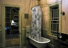 Charmed Halliwell Manor bathroom set