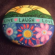 Painted Garden Rocks, Painted Rocks Craft, Painted Pebbles, Painted Stones, Shell Painting, Pebble Painting, Pebble Art, Stone Painting, Rock Painting Patterns