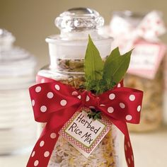 Who doesn't love an easy dinner? This homemade rice mix is simple to put together and makes for a great side to any main dish. christmas gift ideas, homemade christmas gifts, herb, homemade food gifts, jar, dinners, diy gifts, handmade gifts, hand made