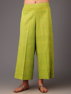 10 Ways To Redesign The Treasures Of Your Mom's Closet Palazzo Pants Indian, Cotton Palazzo Pants, Palazzo Pants Online, Pallazo Pants, Plazzo Suits, Salwar Pants, Pantalon Large, Indian Party Wear, Kurti Designs Party Wear