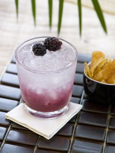 Because a Spring Saturday is reason enough to celebrate. #cocktail #spring