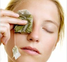 Flawless Skin Remedies Green Tea For Dark Circles - Green tea is known to be a healthy substitute for anything and everything. What you didn't know was there are a number of other ways to use green tea to be Organic Skin Care, Natural Skin Care, Natural Face, Organic Beauty, Natural Oils, Beauty Secrets, Beauty Hacks, Beauty Tips, Hair Loss