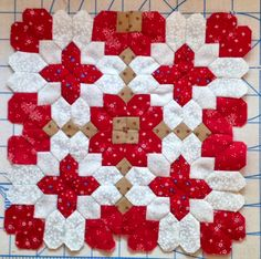 LUCY BOSTON PATCHWORK OF THE CROSSES     PATCHWORK OF THE CROSSES SECTION IN RED/WHITE         Made with Inklingo 90 degree .5 inch Hexago...