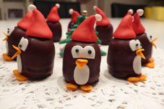 Vrolijke pinguins van mini negerzoenen. Ook leuk voor tijdens het kerstdiner op school!