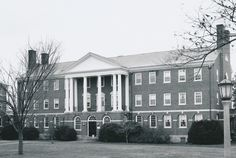 Reid Residence Hall, Sweet Briar College. Constructed in 1925.   Sweet Briar College, some rights reserved. CC-BY-NC.