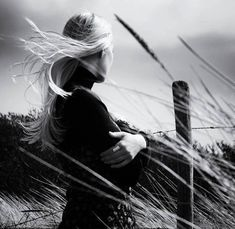 Blowin' In The Wind, Wind In My Hair, Plakat Design, Anais Nin, Windy Day, She Likes, Photo Black, Black And White Photography, The Dreamers