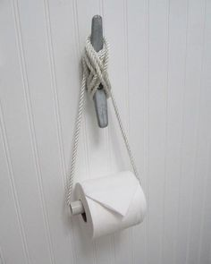 LOVE this DIY TP holder for a   nautical/beach themed bathroom …