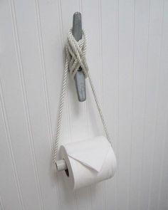 LOVE this DIY TP holder for a nautical/beach themed bathroom