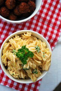 Vegaanin mac n cheese Mac S, Mac And Cheese, Vegan Recipes, Vegan Food, Pasta, Chicken, Meat, Ethnic Recipes, Veggie Food