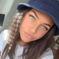 Image about girl in beauty beauty by Pnk MoOn Beauty Makeup, Hair Makeup, Hair Beauty, Beauty Care, Makeup Tips, Pretty Eyes, Cool Eyes, Green Eyes Dark Hair, Light Eyes Dark Hair