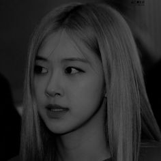 Blackpink Photos, Cute Photos, Kim Jennie, Rose Icon, Role Player, Black And White Aesthetic, Rose Park, Kim Jisoo, Park Chaeyoung