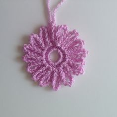 Round 1 of Delicate Daisy pattern