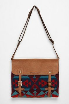 Pendleton Messenger Bag from Urban Outfitters. Saved to Accessories . Shop more products from Urban Outfitters on Wanelo. My Bags, Purses And Bags, Fashion Bags, Fashion Accessories, Diy Sac, Mein Style, Clutch, Cute Bags, Beautiful Bags