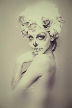 Sugar Skull pin up for halloween ♡ Sugar Skull Makeup, Sugar Skull Art, Sugar Skulls, Pin Up, Mexican Holiday, Day Of The Dead Art, Candy Skulls, Skull And Bones, Up Girl
