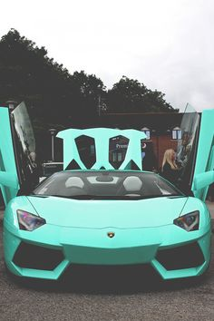 Tiffany Blue Lamborghini Aventador... is this car real?! ♥ ♥ ♥