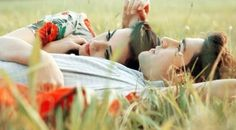 Descobrir que existe alguém que está lá nas horas mais difíceis e necessárias, ou nos momentos mais intensos e felizes é o que faz esse alguém ser tão especial ou um grande amor.