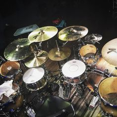 How many snares do you have?  Featured  @jaredfalkdrummer  #drum#drums#drummer#drummerboy#drumset#drumkit#drumporn#drumline#drummergirl#recordingstudio#musico#baterista#instadrum#drumming#percussion#percussionist#drumsoutlet#tama#DWdrums#ludwig#sjcdrums#gretsch#Bateria#pearldrums#drumlife#drumdrumdrum#sessiondrummer#drumsticks by drumset_up
