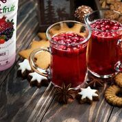 Superfruit All-Stars White Tea A cup of holiday cheer to warm up your guests on those cold winter nights. This superfruit tea is a new holiday classic . Berry Tea Recipe, Coffee Health, Coffee Facts, Healthy Facts, Winter Drinks, Winter Is Here, Tea Recipes, Iced Tea, Berries