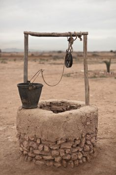 old water well in ouarzazate in morocco - Red Sonja, Wrath And The Dawn, Vault Dweller, Prince Of Egypt, The Adventure Zone, Water Well, Wishing Well, Islamic Art, Wild West