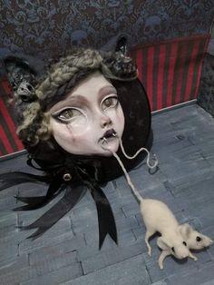A clay and needle felt sculpt by Sam Crow Creature 3d, 3d Illustrations, Nine Lives, Curious Creatures, Magical Unicorn, Creepy Cute, Crow, Art Dolls, Sculpting