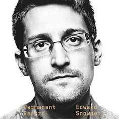 government is suing former NSA contractor Edward Snowden over the publication of his autobiography in an attempt to block the American from profiting from the project. Edward Snowden, Got Books, Books To Read, Tapas, Spiegel Online, Private Life, Book Photography, Book Format, Memoirs