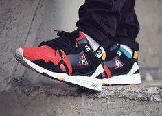 Highs and Lows x Le Coq Sportif R1000 Black Swan - 2014 (by yosoyfob)