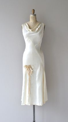 Sumptous silk satin wedding dress with forgiving bias construction, asymmetrical seaming, graceful draped neckline, wax flower detail and swingy Vintage Outfits, Vintage Dresses, 1930s Fashion, Vintage Fashion, Day Dresses, Nice Dresses, Bias Cut Dress, Vintage Mode, Wedding Gowns