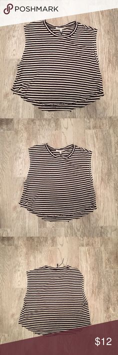 💘Rebecca Minkoff Crop Top SIZE. S This is a Rebecca Minkoff Destroyed Crop Top. It looks very edgy and great spring and summer. Please look at the pitctures as they are part of the description. Rebecca Minkoff Tops Crop Tops