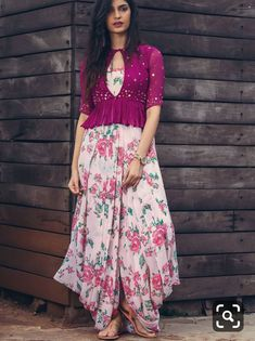 Indian Gowns Dresses, Indian Fashion Dresses, Dress Indian Style, Indian Designer Outfits, Indian Outfits, Ethnic Fashion, 80s Fashion, Fashion 2020, Indian Wear