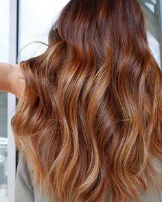 23 most beautiful strawberry blonde hair color ideas Ash Blonde Hair Beautiful blonde Color Hair Ideas strawberry Dark Strawberry Blonde Hair, Strawberry Blonde Highlights, Red Ombre Hair, Balayage Hair Blonde, Brown Blonde Hair, Platinum Blonde Hair, Brown Auburn Hair, Honey Balayage, Cool Hair Color