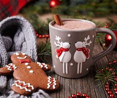 Love Gingerbread cookies? Then you will love this Gingerbread Man Shakeology! Healthy holiday recipes // best recipes for christmas // Shakeology recipes // 21 Day Fix // Beachbody // Beachbody Blog // #shakeology #21dayfix #gingerbreadman