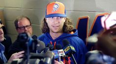 Jacob deGrom on leave due to complications with newborn