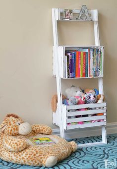 Easy Crate Leaning Shelf and Storage - Her Tool Belt, projects beginner projects diy projects for kids projects furniture projects plans projects that sell Leaning Bookshelf, Leaning Shelf, Ladder Bookshelf, Small Bookshelf, Bookshelf Plans, Bookshelves, Bookshelf Ideas, Wood Ladder, Diy Projects To Build