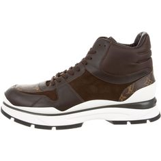 Louis Vuitton In Motion Sneaker Boots (68.175 RUB) ❤ liked on Polyvore featuring men's fashion, men's shoes, men's sneakers, brown, mens sneakers, mens shoes, mens brown shoes, mens high top shoes and mens high tops