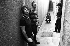 Oasis (de gauche à droite : Liam Gallagher, Andy Bell, Noel Gallagher, Gem Archer) Liam Gallagher, Like This Song, I Love Music, Oasis Album, Oasis Band, Liam And Noel, Britpop, Fred Perry, Look At You
