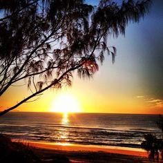 Sunrise - Stradbroke Island - Australia We will be here! Australia Beach, Brisbane Australia, Australia Living, Ocean Beach, Ocean Waves, Stradbroke Island, Largest Countries, Stunning View, Beautiful