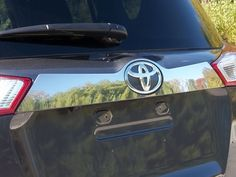 RAV4 2013-2015 TOYOTA(1 piece License Bar Trim: Above plate accent strip) LB13180