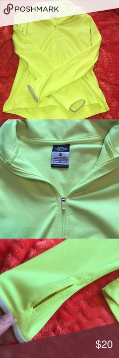 Nike Pullover Perfect condition :) thumb holes in sleeves! Nike Tops Tees - Long Sleeve