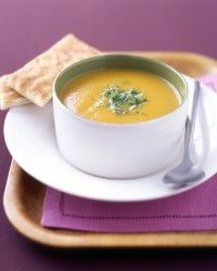 Curried carrot soup : If your carrots don't taste sweet enough, add up to a teaspoon of sugar in step To serve the soup chilled, let cool, and then refrigerate in a covered container. Quick Soup Recipes, Carrot Recipes, Cooking Recipes, Healthy Recipes, Carrot Dishes, Healthy Soups, Whole30 Recipes, Cooking Ideas, Fall Recipes